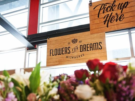 Chicago flower delivery startup moves into Milwaukee, just in time for Valentines Day