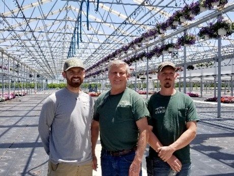US (NJ): Flower grower adds 4.4 ha retractable roof greenhouse