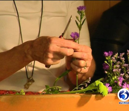 Simsbury woman's flower business blooming with new orders